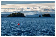 Red Spots Blue Lake (Krogen) Tags: autumn oktober nature norway landscape norge natur norwegen noruega scandinavia høst krogen landskap noorwegen noreg skandinavia hadeland randsfjorden oppland olympuse3