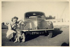 4cv (desfemmesetdesvoitures@yahoo.fr) Tags: auto old woman white black cars car sedan vintage wagon photo und mujer women noir photos femme 1940 voiture nb des collection coche 1970 autos frau dame 1980 et mujeres fille blanc 1950 coches filles 1920 femmes dona voitures 1930 ancienne 1960 cabriolet oldy dames anciennes wagen oldys wagens bw conductrice conductrices desfemmesetdesvoitures