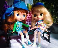 Meadow and Pandy discuss RAK and why Meadow is wearing it ~ (jinjurblythe) Tags: girls red for is very you head gorgeous hey pansy meadow yay thank blond much kenner xxx sweetheart rak hej fee
