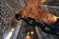 torre de hrcules   .   tower of hercules          -sala (room) de Giannini (Antnio Alfarroba) Tags: espaa lighthouse iron roman perspective rusty romano chain link perspectiva farol connection corrente contrapicado corunha ligao acorunha contreplong