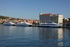 Split (dese) Tags: summer 3 boats photo europa europe foto july croatia july23 catamaran split karolina sommar croatie kroatia kroatien dese jadrolinija dubravka 2013 desefoto biovo hsckarolina hscdubravka