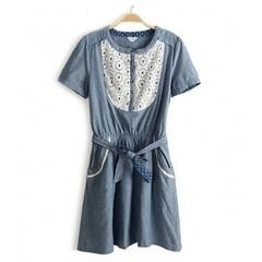 ชุดยีนส์ แฟชั่นเกาหลี ผู้หญิง Lace Dress นำเข้า - พร้อมส่งTJ7095 ราคา750บาท รหัสสินค้า : TJ7095  ไซส์ : อก 33-36 เอว 26-33 สะโพก 33-38 ยาว 34 นิ้ว  วัสดุ : Cotton Denim + Lace  สี : Jeans สั่งซื้อได้ที่ http://www.lotusnoss.com ไลน์ lotusnoss #lotusnoss #