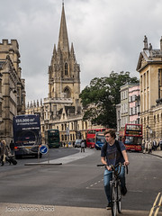 High St, Oxford (Jose Antonio Abad) Tags: inglaterra england streets architecture buildings arquitectura edificios unitedkingdom streetphotography cityscapes oxford calles reinounido urbanphotography paisajeurbano pblica fotografaurbana urbanlanscape josantonioabad