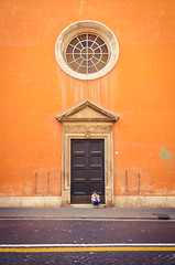 Squash (GaryTumilty) Tags: road street door italy orange white black rome window lines yellow circle person photography sitting stripes step frame round circular