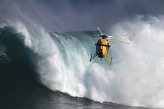IMG_2058 copy (Aaron Lynton) Tags: surfing lyntonproductions canon 7d maui hawaii surf peahi jaws wsl big wave xxl