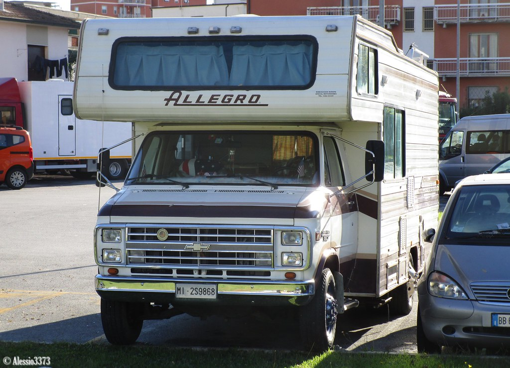 The World's Best Photos of chevrolet and motorhome - Flickr Hive Mind