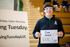 2016 Giving Tuesday (Loyola University Chicago) Tags: adv1640 givingtuesday loyolagives schreibercenter wtc give studentlife cards ryanmcmullin