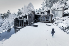Kunanyi House (robertdownie) Tags: house snow ponds australia tasmania wellington mt hobart modernist architecture kunanyi david mcglashan everist