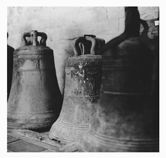 Bells in Assisi (distagon500) Tags: hassselblad 500cm analog ilford fp4 100asa 80mm 28 film mediumformat square 6x6 120 2016 assisi bw