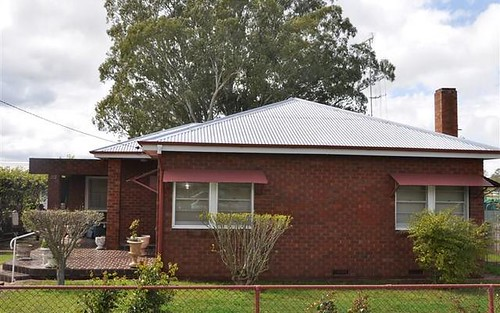 92 Ferry St, Forbes NSW 2871