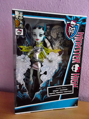 Monster High Frankie Stein/Voltageous Power Ghouls!  (RochelleGoyle (CupcakeFreak17)) Tags: monster high doll power frankie stein ghouls voltageous