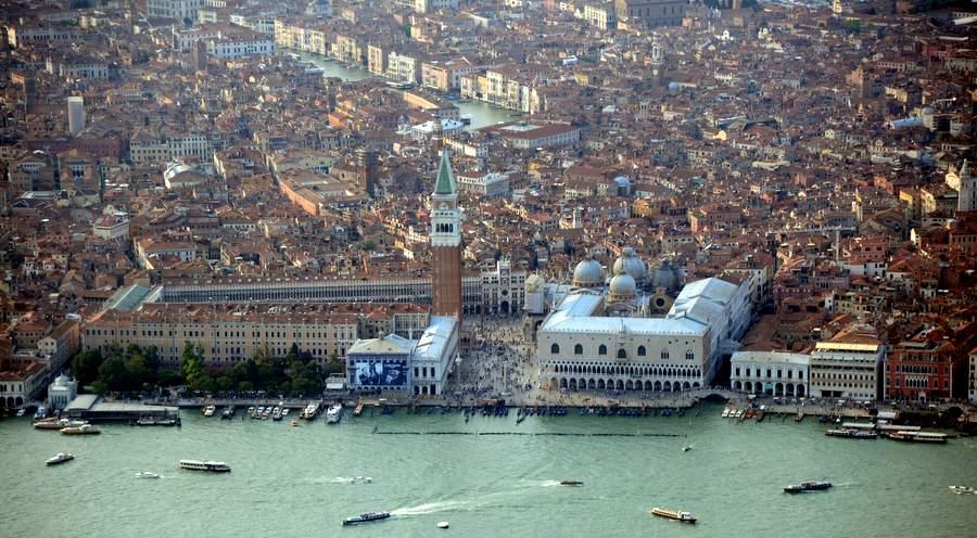 Вид на Венецию с вертолёта
