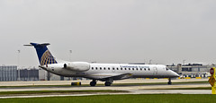 Chautauqua Airlines Embraer ERJ-145LR N277SK (MIDEXJET (Thank you for over 1 million views!)) Tags: chicago unitedstatesofamerica chicagoohare chicagoillinois i chautauquaairlines n277sk embraererj145lr continentialexpress fly2ohare chooseohare