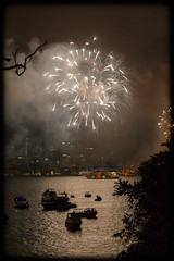 Bringing in 2014 at Bradley's Head, Sydney (Craig Jewell Photography) Tags: iso3200 50mm fireworks harbour nye sydney australia newyearseve sydneyharbour f40 2014 bradleyshead ef50mmf14usm 0ev sec canoneos1dmarkiv 33519s1511445e filename20131231230520x0k0784cr2