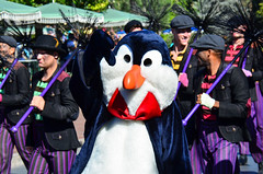 ACF - Penguin (EverythingDisney) Tags: christmas penguin dancers disneyland disney parade fantasy marypoppins performers filming dlr acf achristmasfantasy soundsational