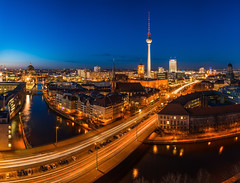 Berlin Skyline (claudecastor) Tags: park blue panorama berlin alex skyline night deutschland inn nacht dom radisson hauptstadt kirche images clear alexanderplatz getty ddr nikolaiviertel spree funkturm osten berliner gettyimages lichter mauer nachtaufnahme hochhaus nikolaikirche geschichte blaue krise stadtansicht westdeutschland stunde belichtungszeit lichtspuren vision:sunset=0588 vision:mountain=0669 vision:car=0605 vision:outdoor=096 vision:sky=099 vision:clouds=0959