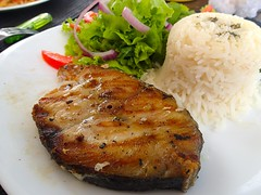 "Vive le poisson grillé ! • <a style=""font-size:0.8em;"" href=""http://www.flickr.com/photos/113766675@N07/14344725423/"" target=""_blank"">View on Flickr</a>"