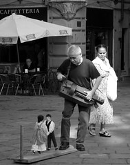 Genova (Celticfield Two) Tags: music genoa genova hurdygurdy ghironda