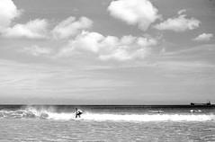 04092012-Imagen_19.jpg (JC. Marugn) Tags: byn film galicia leicam2 filtrorojo roxi filtros revelado konicahexanon50 objetivosantiguos opticasmanuales vacaciones2012 argentipanxapx100 rodinal110030secagitado55minesttico