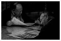 "El Mundo ""Noticias Blanco y Negro"" - The World ""News Black and White"" (ZEN evolved Optimist) Tags: artlibre bwartaward bw blackwhite blackandwhite books elmundo literacy people reading thenews worldnews"