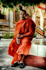 Dodee (isabelle.giral) Tags: monk laos savannakhet moine pentax friend ami