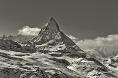 The Matterhorn , the Symbol of Switzerland. a view from the train to Gornergrat from Zermatt .No, 4335. (Izakigur) Tags: liberty izakigur flickr feel europe europa dieschweiz ch helvetia lasuisse musictomyeyes nikkor nikon suiza suisse suisia schweiz romandie suizo swiss svizzera سويسرا laventuresuisse switzerland schwyz nikond700 nikkor2470f28 myswitzerland suïssa kantonwallis cantonduvalais