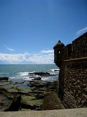 cadiz 049 (elinapoisa) Tags: cadiz spain castle beach rocks españa