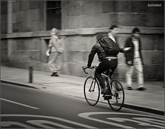 Ciclista Urbano. (GARFANKEL) Tags:
