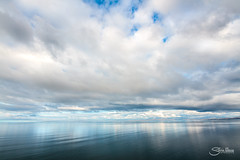 El abismo (Silvia Illescas Ibáñez) Tags: simetría minimalismo minimalist abismo horizonte horizon mar sea agua water reflejo reflection demetria nubes clouds skye scotland isla escocía cielo azul blue oceano north norte