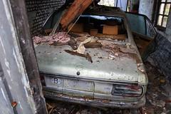 BMW 3.3 Li E3 vue arrire (Raphael Drake) Tags: epave voiture car wreck urbex decay belgique abandoned abandonne exploration urbaine rurex decayed bmw e3 33 li 33li
