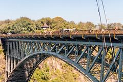 J21. Pont des chutes Victoria (Darth Jipsu) Tags: matabelelandnorthprovince zimbabwe zw chutes victoria chutesvictoria zambezi fleuve rivire safari afrique voyage