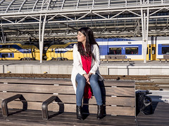 Nathalie, Amsterdam 2016: Time-out (mdiepraam) Tags: nathalie amsterdam 2016 centraal station platform portrait pretty beautiful elegant dutch brunette girl naturalglamour scarf denim jeans boots bag bench