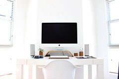 mac tech setup office - Credit to https://homethods.com/ (homethods) Tags: decoration home design diy interior tech mac apple desk setup