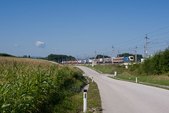 wb_100810_05 (Prefektionist) Tags: eisenbahn bahn railway rail railroad train trains westbahn sterreich austria bb oebb niedersterreich loweraustria nikon d700 siemens es64 1047 mav kombi rollendelandstrase amstetten mauerbeiamstetten