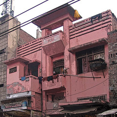 art deco, old city, lahore (Maryam Arif) Tags: perspective composition oldcity lahore light shadow contrast building streetlife street space artistic atmosphere architecture structure fineart photography geometry gradient artdeco