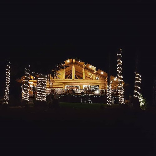 It's beginning to look a lot like Christmas @westernpleasureguestranch! Lights are going up, the windows have been painted and the Christmas tree is being decorated!  #wpguestranch #westernpleasureguestranch #christmas #lights #guestranch #duderanch #idah