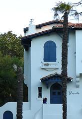 La ville d'hiver, Arcachon (blafond) Tags: stationbalnaire seasideresort maisondevillgiature villa villedhiver arcachon aquitaine paqueta architecture