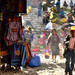 Mercato di Chichicastenango nei pressi delle scalinate della chiesa