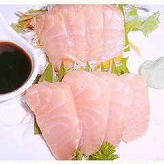 โอ๊ยๆ ไม่อยากจะบอกจ้า นู๋ขอแนะนำ เบยกับ เมนู Japan เนื้อปลาแซลมอน  ความสดแบบเน้นๆ อร่อยกันในสไตล์ การหั่นเนื้อปลาแซลมอน แบบพิถีพิถันจากปลายมีดเพื่อ สร้างสรรค์จิตนการอีกสไตล์ ..!ต้องมาลองเบย อร่อยฝุดๆ ที่ Moodbar เกษตรนวมินทร์ #Moodbar