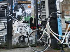 streetArt & bike (JosDay) Tags: streetart amsterdam bike graffiti murals fiets nikoncoolpixp500 vision:outdoor=0944