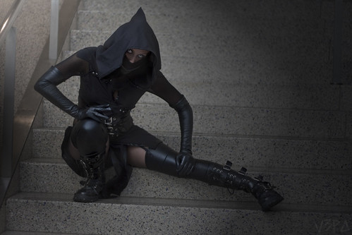 black costume cosplay ninja goth videogame mortalkombat combatboots 2013 noobsaibot comikaze vision:mountain=0564 vision:outdoor=0938 nikitafoxx