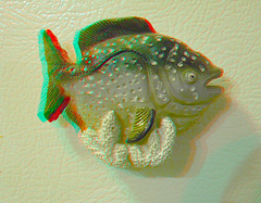 Fridge Magnet Fish 3D (DarkOnus) Tags: fish macro closeup lumix stereogram 3d anaglyph magnet stereography fridgemagnet redcyan dmcfz35