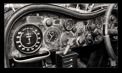 Bentley Speed Six dashboard cockpit ☆ Copyright 2014 Bernhard Egger :: eu-moto images 3250 bw