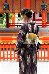 """Kimono at the Temple"" - Kyoto, Japan (TravelsWithDan) Tags: japan kyoto candid ngc streetphotography beautifulwoman kimono fushimiinaritaisha worldtrekker"