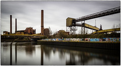 Carsid et le mur de graph (Joel Leclercq) Tags: eau reflets paysages industries charleroi ruines sambre usines nd8