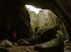 Porche du Siphon du Creux Billard (francky25) Tags: anne sainte du billard porche franchecomté grotte sous nans siphon doubs gouffre creux