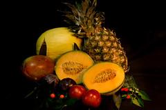 Varagnolo Mauro-2 (varagnolomauro) Tags: frutta fruit arance zucca castagne natura morta ananas kiwi noir melone fragole lemon limone fuji fujifilm melograno