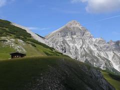 Nothütte mit Serles (bookhouse boy) Tags: peilspitze blaser blaserhütte 2016 3september2016 berge mountains alpen alps stubaieralpen wipptal matreiambrenner mariawaldrast mühlbachl matreiergrube kalbenjoch
