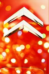 New car color - Red bokeh 😋 - Chevrons - Citroën (eagle1effi) Tags: emblem chevron doppelpfeil winkel sparren sign badge citroen c4 effiart c4gp gp psa digitalretouched ppc art erwin effinger bokeh unschrärfe dof kreiseeffects eagle1effi picasso grand 20 hdi millenium spacetourer gt 150 hp ps
