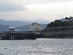 4187 Llandudno pier at sunset (Andy - Daft as a brush - don't ask!) Tags: 20160907 cruise ggg grandhotel hhh llandudno lll pier ppp roundtrip ynysmon